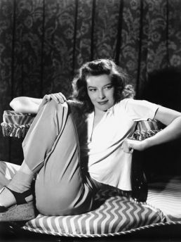 Who dresses like Katherine Hepburn anymore? Even when she's bumming around, she looks amazing.