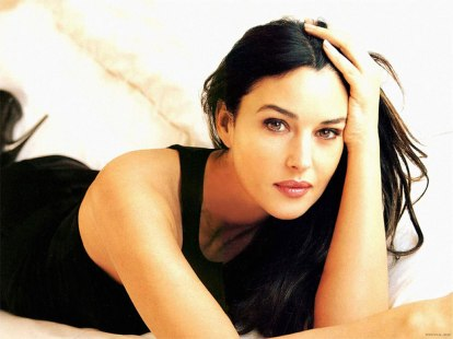 Italian beauty Monica bellucci, with classical features and a body of a Roman goddess, Monica is not only beautiful but smart as well. Did you know she studied law at the University of Perugia before going into modelling?