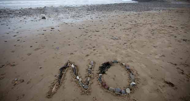 line-in-the-sand-at-gower-s-langland-bay-for-wales-will-you-be-voting-no-in-thursday-s-referendum-3438881