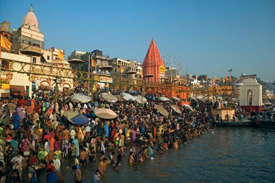 Hindu pilgrims at Varanasi