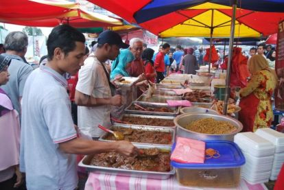 Ramadan food stalls in the streets of Kuala Lampur.