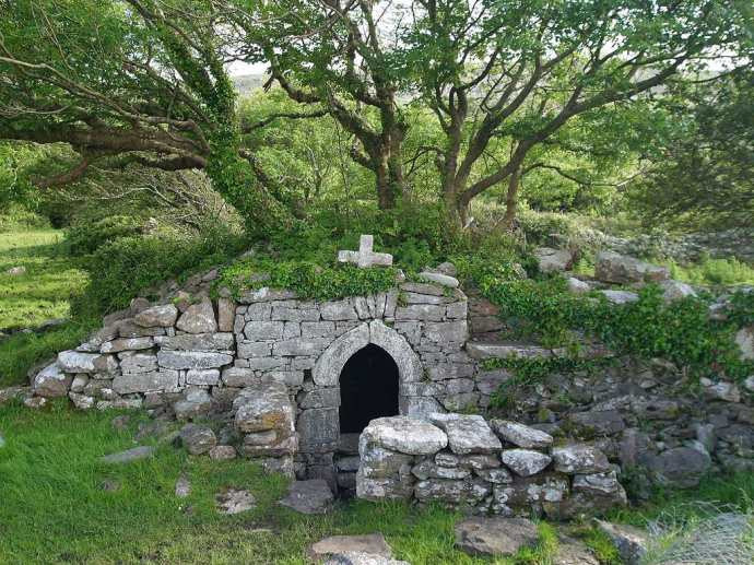 Many of the holy wells in the Celtic world predate Christianity by thousands of years and were places of worship in pagan times. Introduce Christianity + rename the place = Voila, a new holy well!