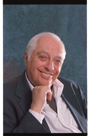 Bernard Lewis = classic example of an academic shyster