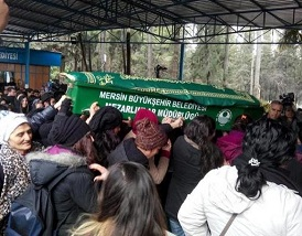The women of Turkey and Ozgecan's funeral coffin.